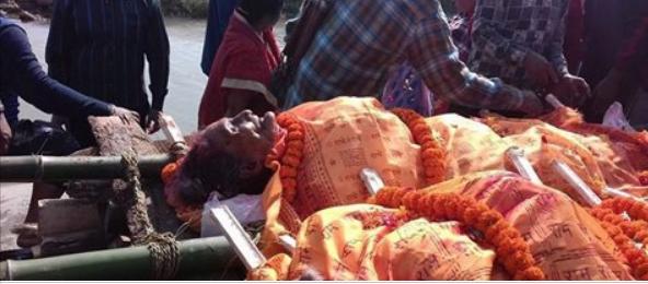 अचम्मको मरण : श्रीमानको निधन भएको १२ घन्टामै श्रीमतीको पनि निधन, एउटै चितामा दाहसंस्कार